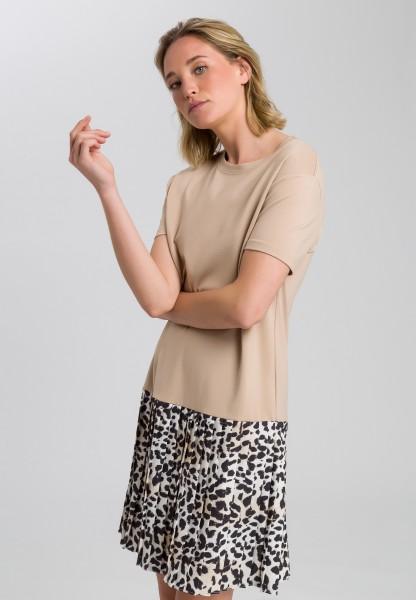 Kleid mit Leoparden-Plissee