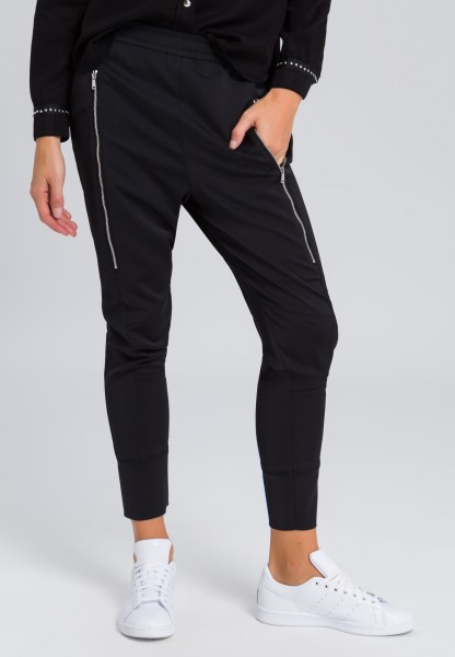 Tracksuit bottoms with zip pockets