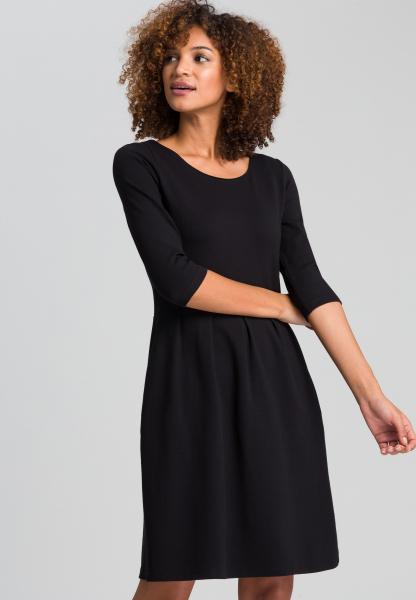 Kleid aus strukturiertem Jersey