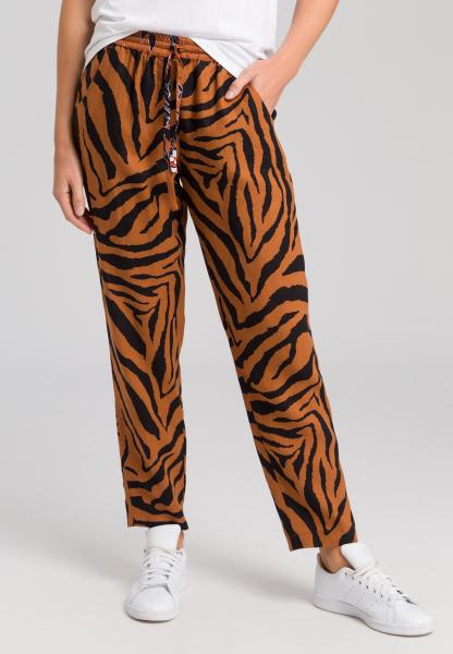 Hose im Tiger-Muster