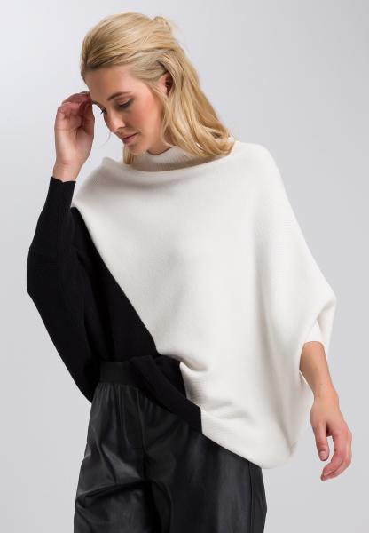Poncho-Pullover mit Turtleneck