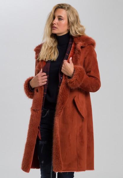 Mantel aus weichem Kunstpelz