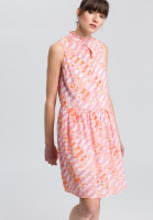 Kleid im Batikprint