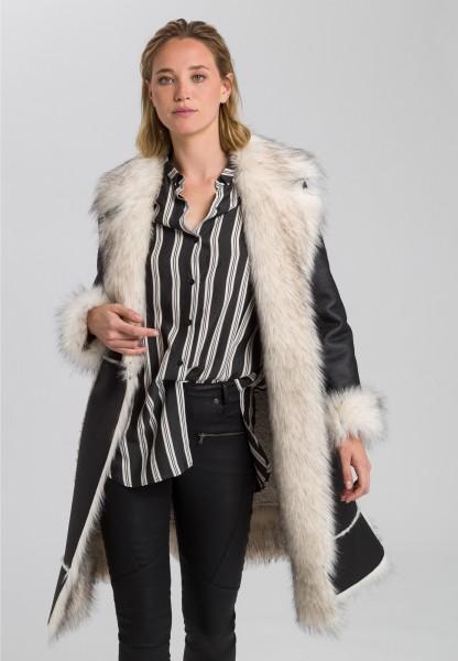 Mantel aus hochwertigem Kunstpelz