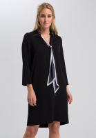 Kleid mit bedrucktem Schal