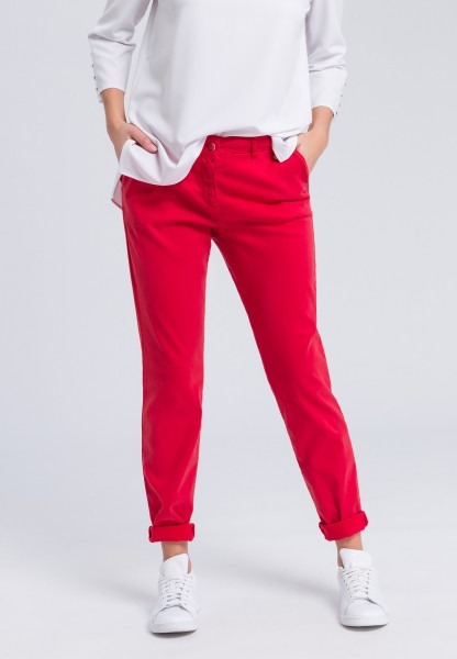 Chinos in soft microfibre