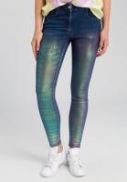 Jeans mit irisierender Beschichtung