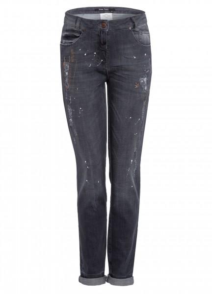 Jeans mit Zierelementen