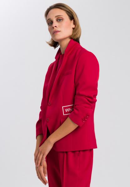 Blazer aus knitterfreiem Material mit Mottobadges