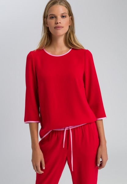 Shirtbluse mit Kontrastpaspeln