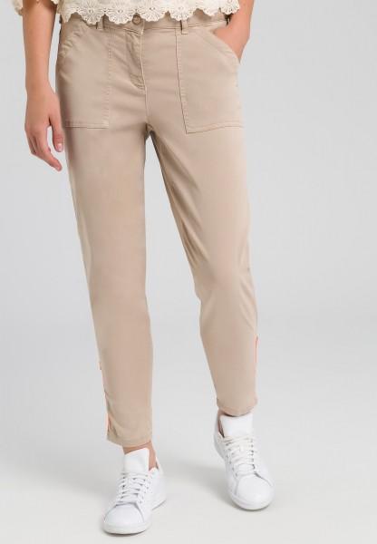 Hose mit Zipper am Saum