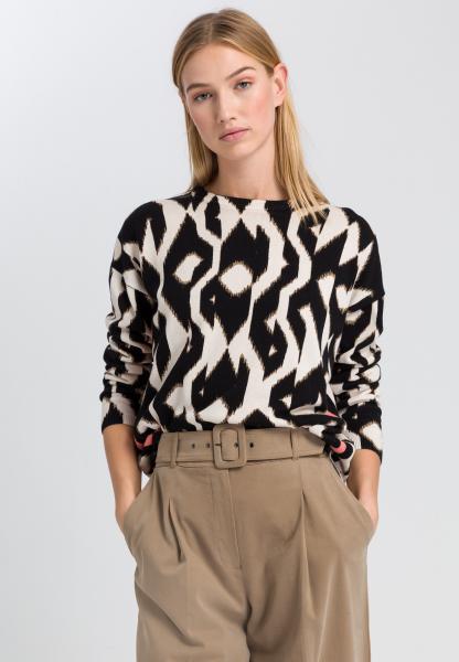Pullover im Ethno-Print