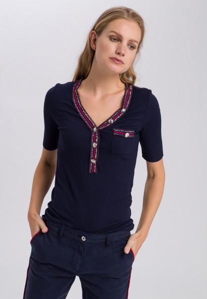 Shirt mit Streifenausschnitt