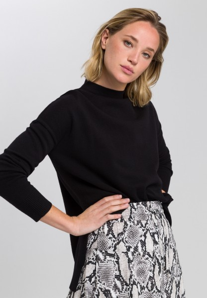 Pullover mit asymmetrischem Saumverlauf